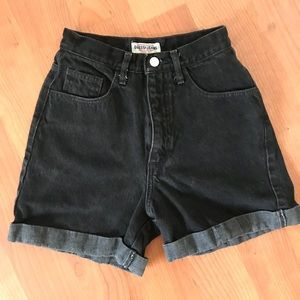 Cute jeans shorts.